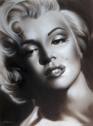 Marilyn Monroe in Black and White